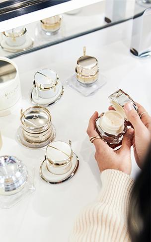 Explore the ultimate in anti-aging with La Crème.