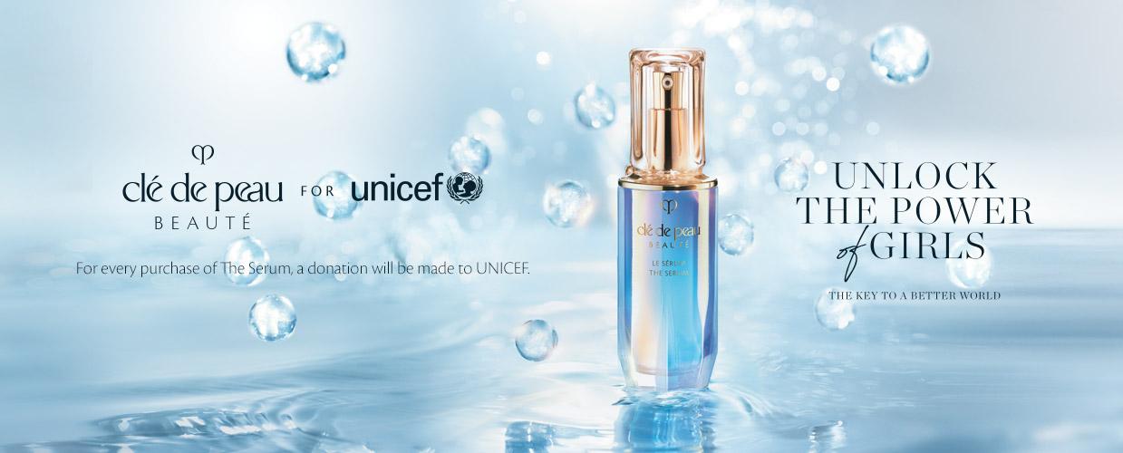 Clé de Peau Beauté pour l'UNICEF. Avec tout achat du sérum, un don sera versé à l'UNICEF.